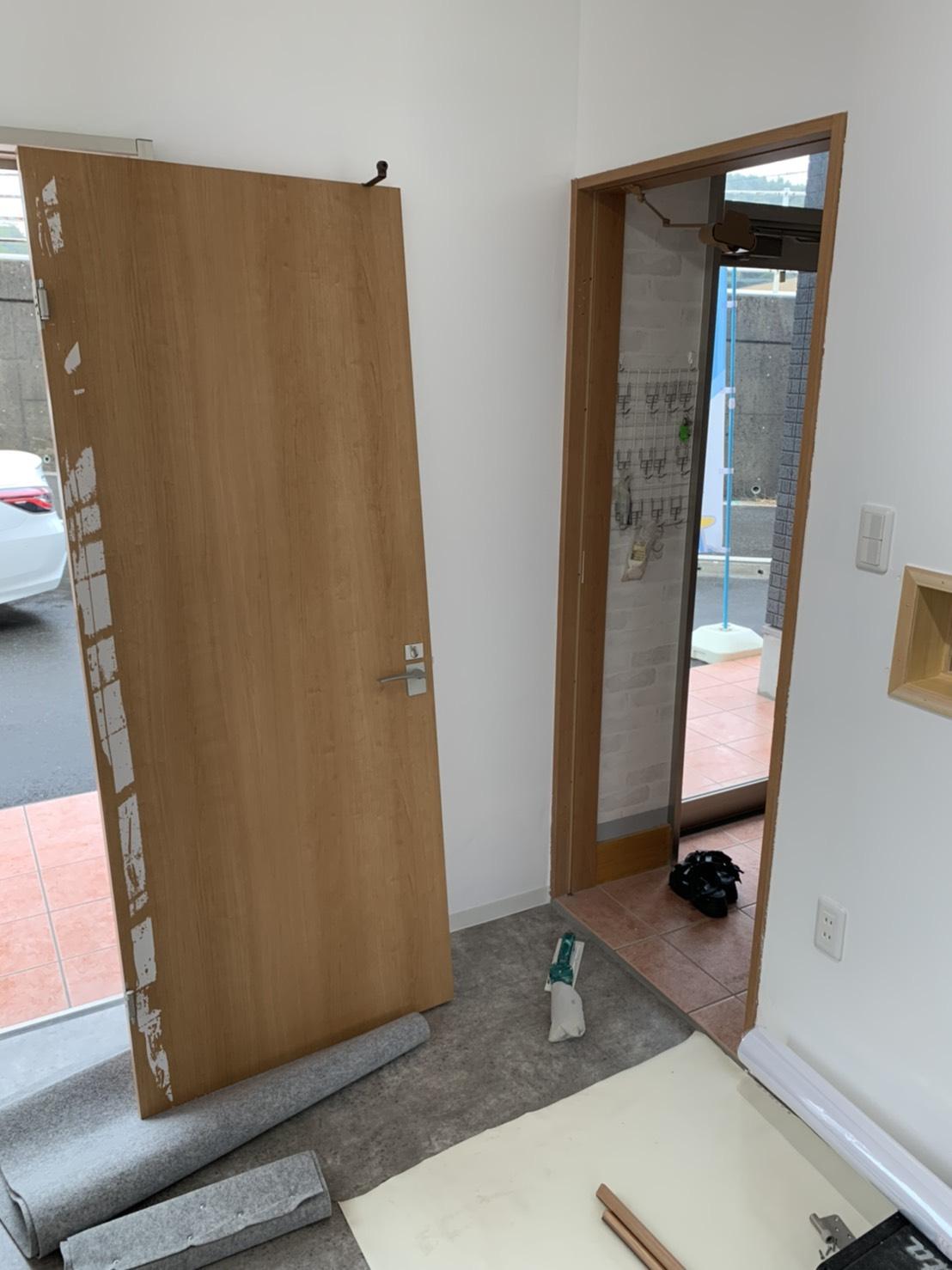 店舗ドア補修工事画像